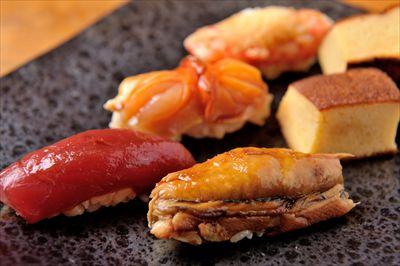 厳選された食材を使用したこだわりの江戸前鮨
